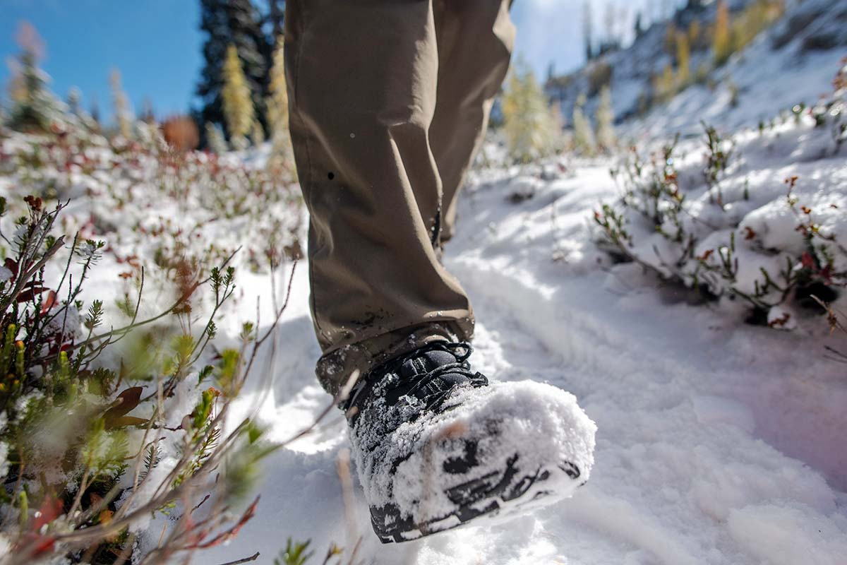 Salomon X Ultra Winter CS WP 2 winter boot (close-up hiking in snow)