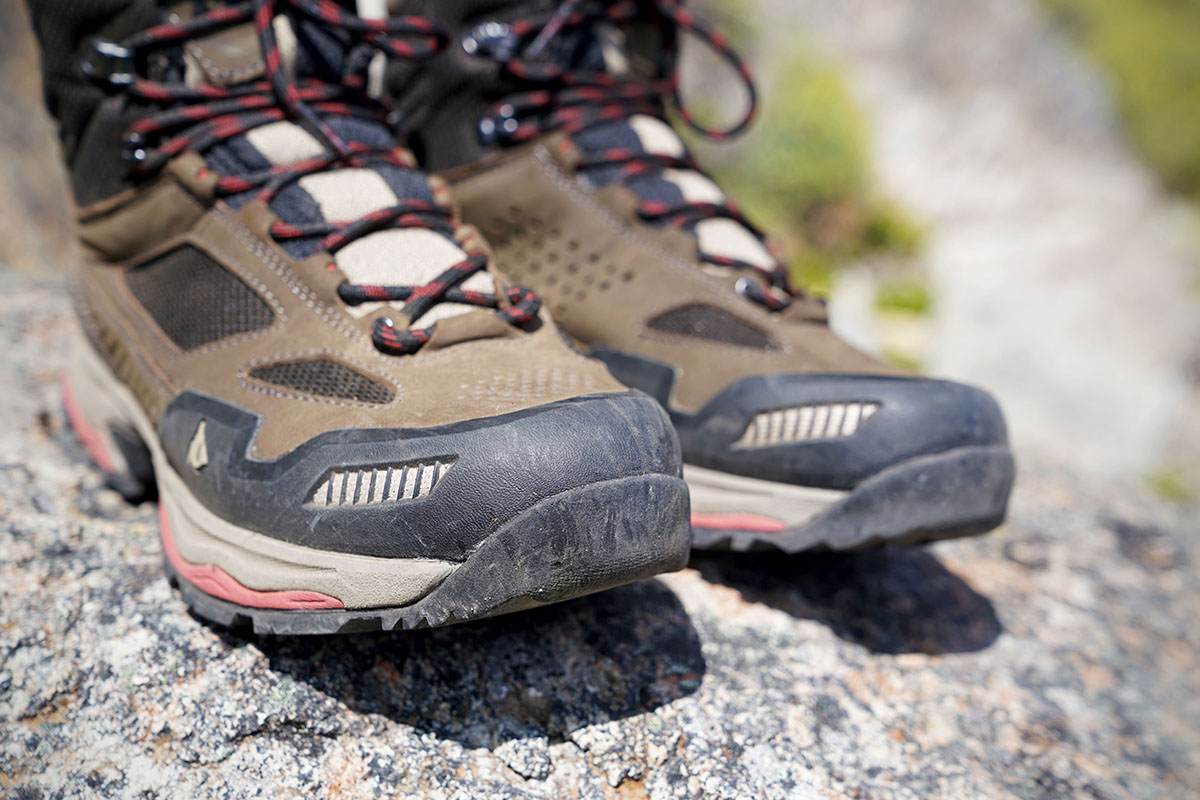 Vasque Breeze AT Mid hiking boots (toe protection)