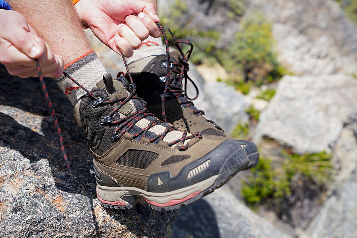 Vasque Breeze AT Mid hiking boots (tying laces)