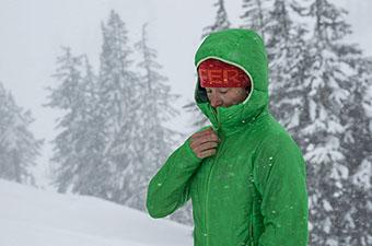 Arc'teryx Nuclei FL synthetic jacket (zipping up)