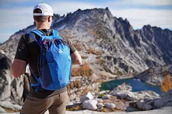 Daypack for hiking (Deuter Speed Lite in Enchantments Wilderness)