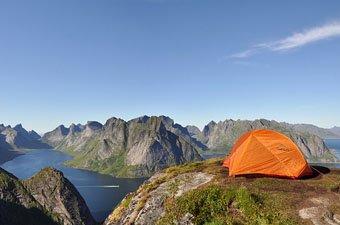 Hiking Reinebringen Norway