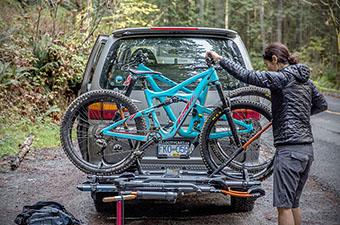 Hitch bike rack (loading Kuat NV 2.0)