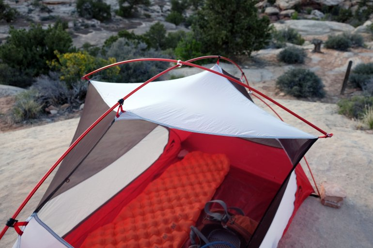 MSR Hubba Hubba NX pole design & Review: MSR Hubba Hubba NX | Switchback Travel