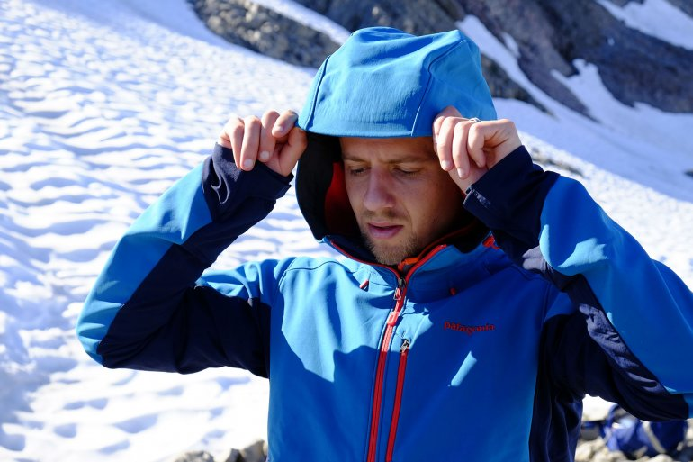 Softshell jacket hood