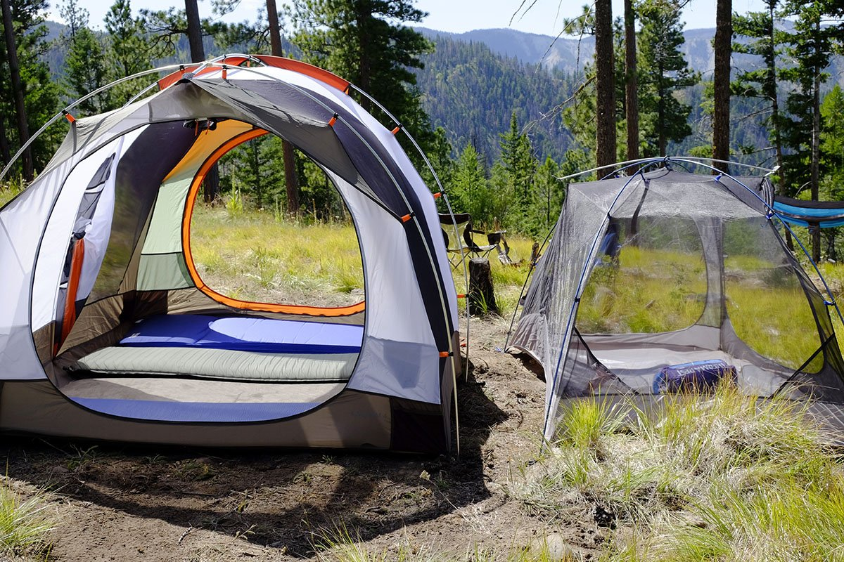 A hybrid c&ing/backpacking design (right) compromises interior space & Best Camping Tents of 2018 | Switchback Travel