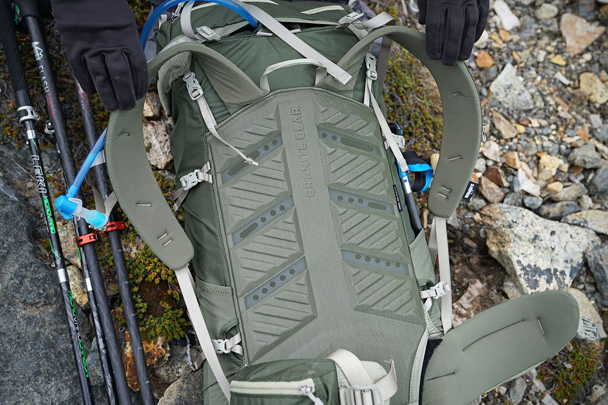 Granite Gear Crown2 60 (back panel)