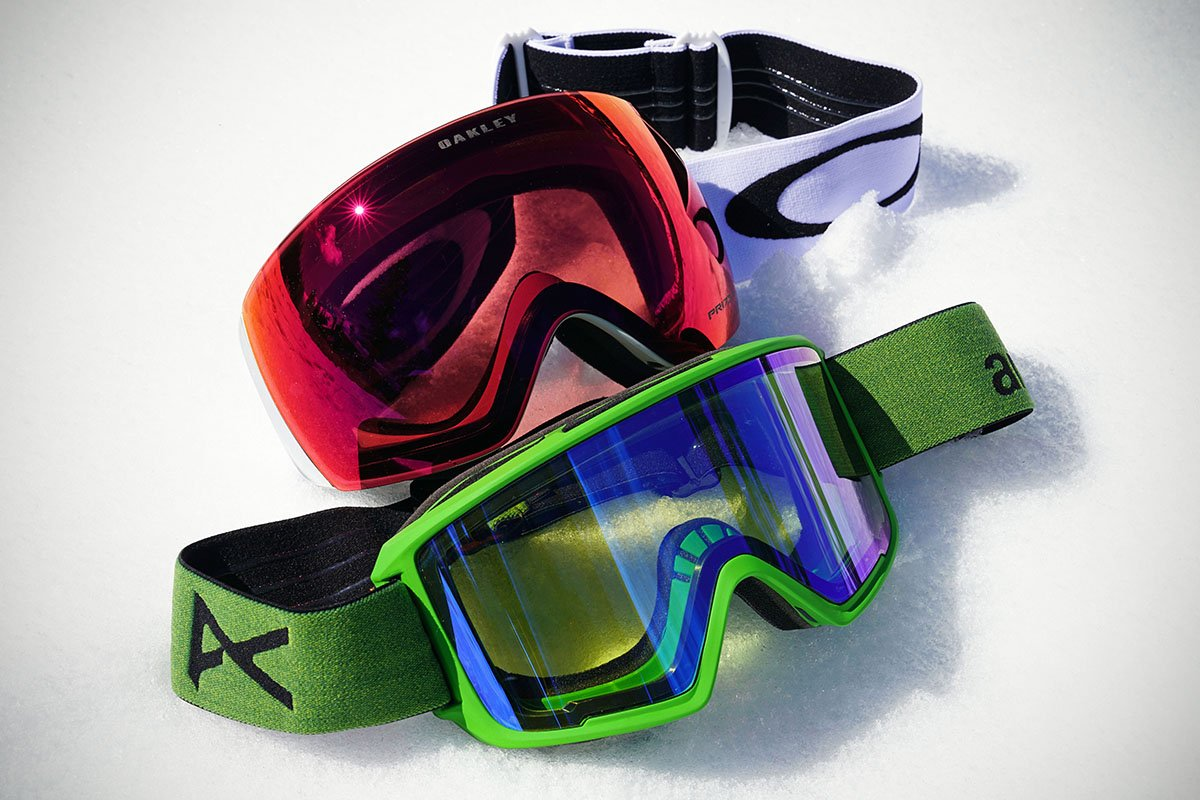 Ski goggles (framed vs. frameless)